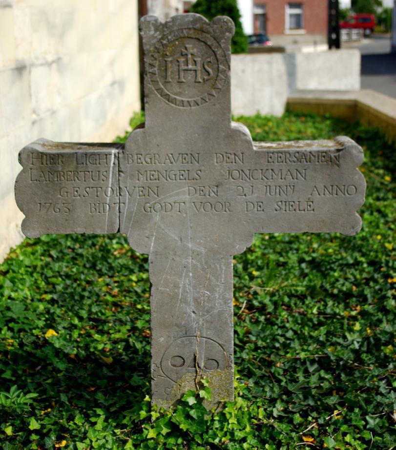 """Oude grafstenen op het """"nieuwe"""" kerkhof van Kanne (2)"""