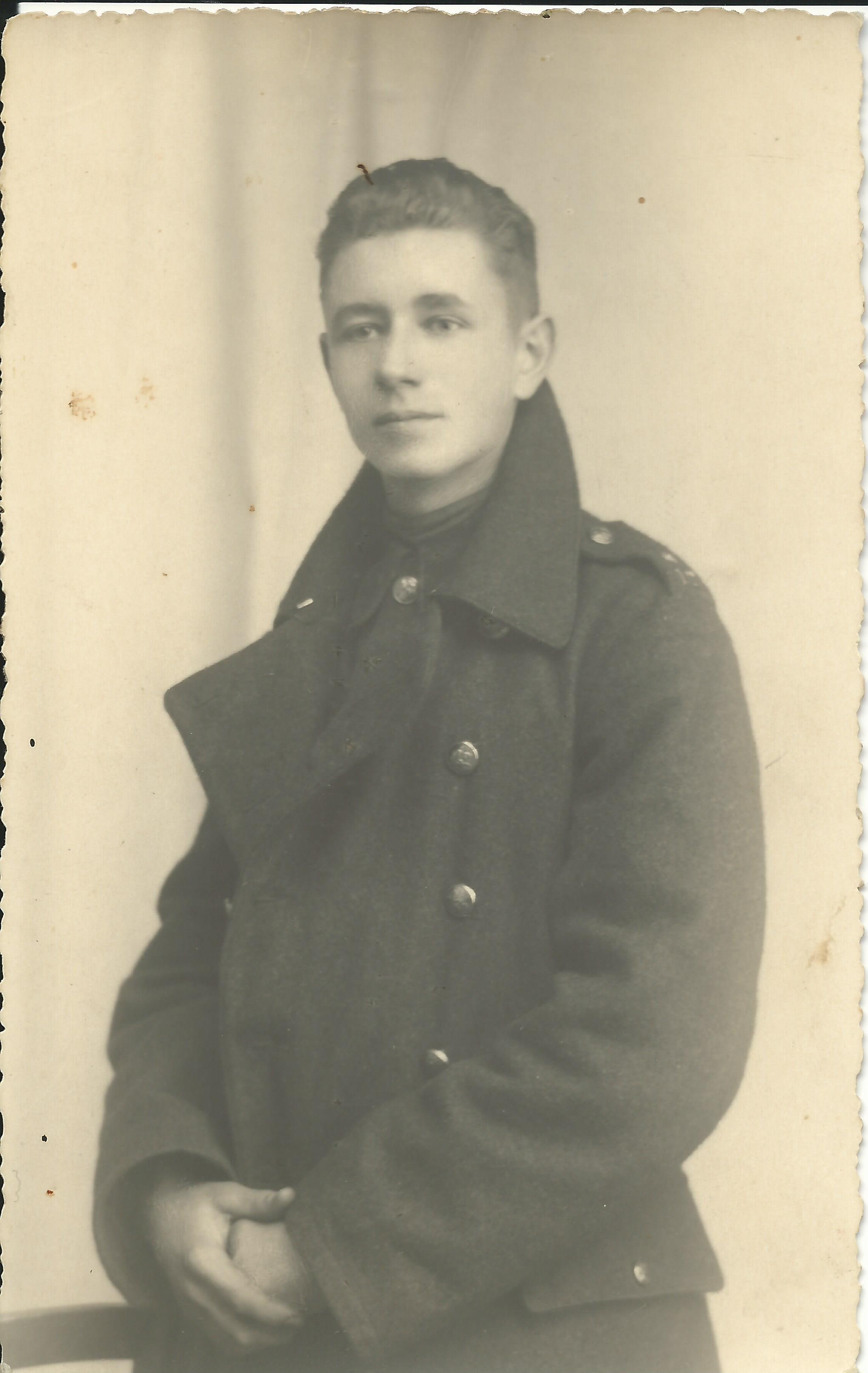 De eerste dag van de Tweede Wereldoorlog in Kanne. Militair Harie Bovens vertelt zijn verhaal.