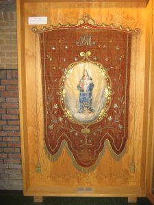 Vaandel van Maria (eind 19e eeuw, Sint-Hubertuskerk Kanne} foto Paul Vrijens
