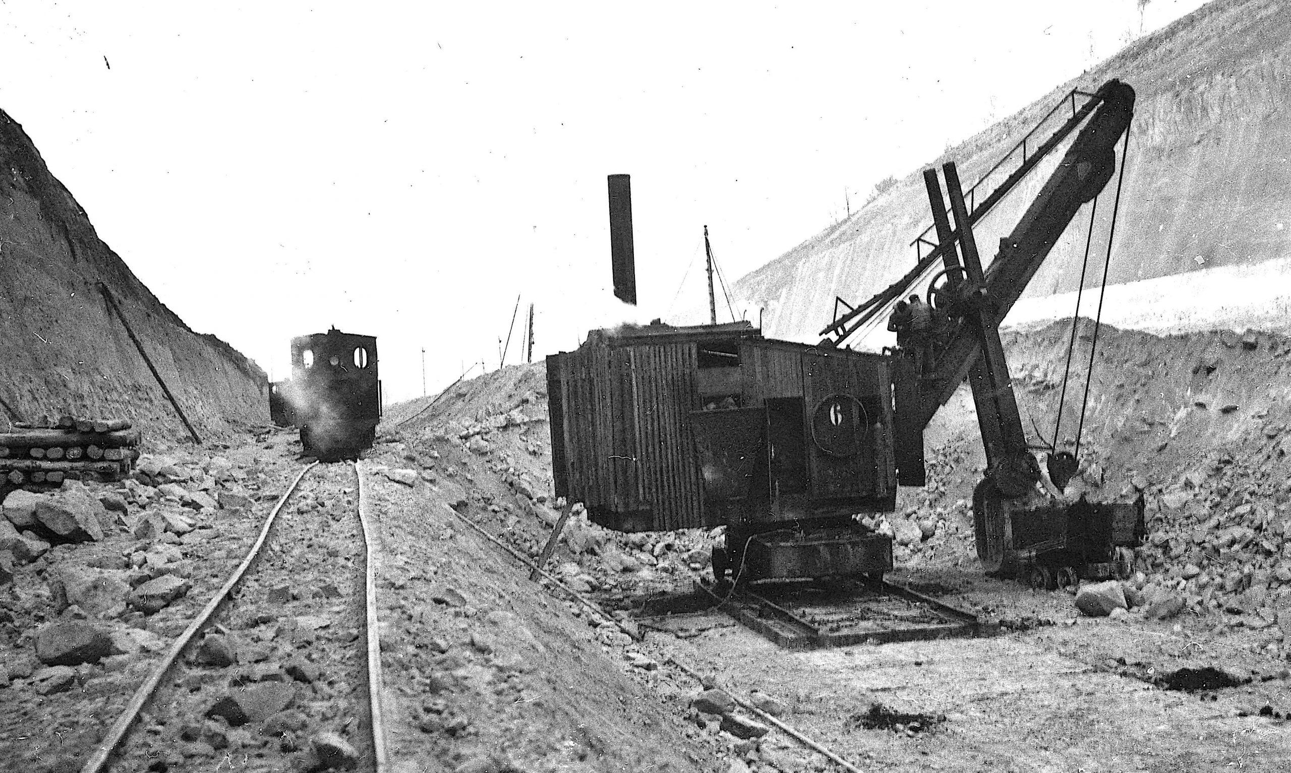 Foto-album Albertkanaal.  De grote machines van toen.